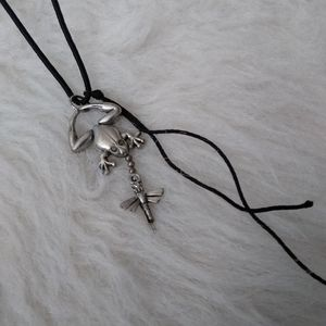 SS Jointed Frog and Fly Charm Necklace Adjustable